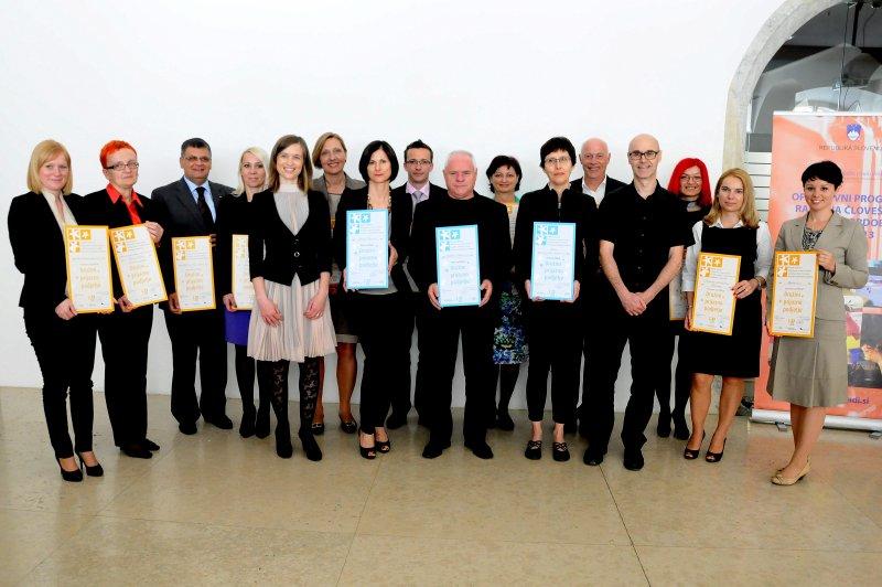 Prejemniki certifikata Družini prijazno podjetje (avtor fotografije: Janez Platiše)